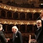 Trovajoli sul palco del Petruzzelli